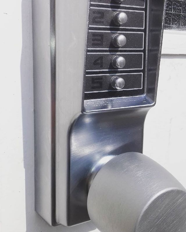 Kaba 1000 Series Combination Door Lock Installed
